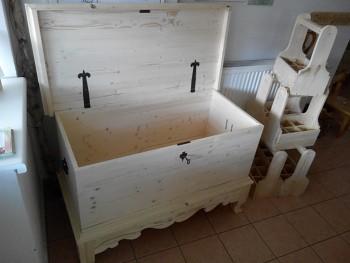 Dřevěná truhla - přírodní nelakovaná