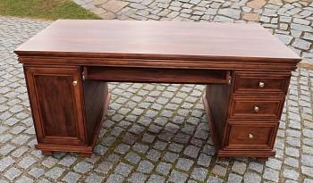Elegantní pracovní stůl